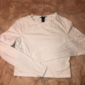 F21 white long sleeved crop top tee crew neck med